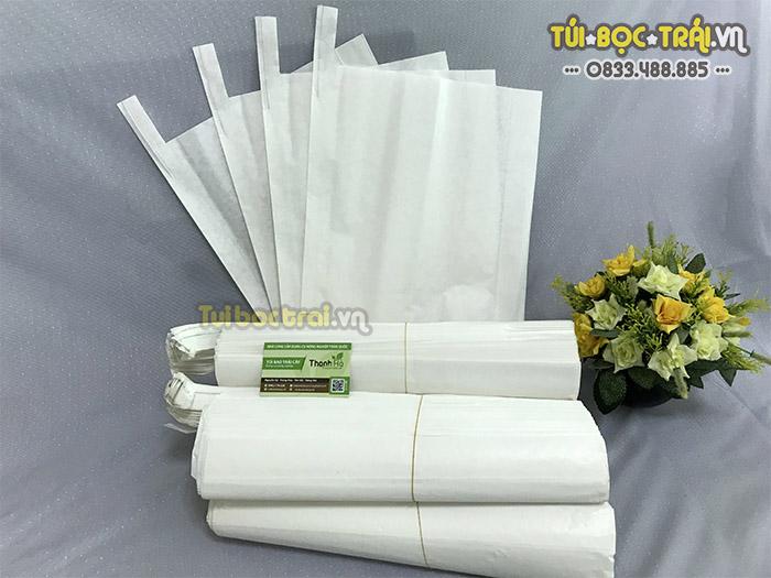 Túi giấy sáp màu trắng kích thước 30x35