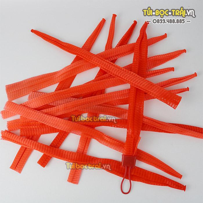 Túi lưới nhựa màu đỏ kích thước dài 25 cm