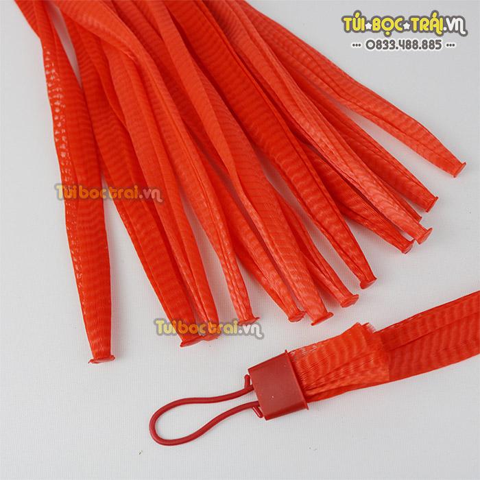 Túi lưới nhựa đựng hoa quả màu đỏ kích thước 25 cm
