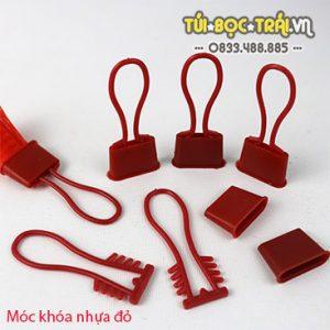 Móc khóa nhựa đỏ dùng với túi lưới (1 kg)