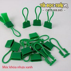 Móc khóa nhựa xanh dùng với túi lưới (1 kg)