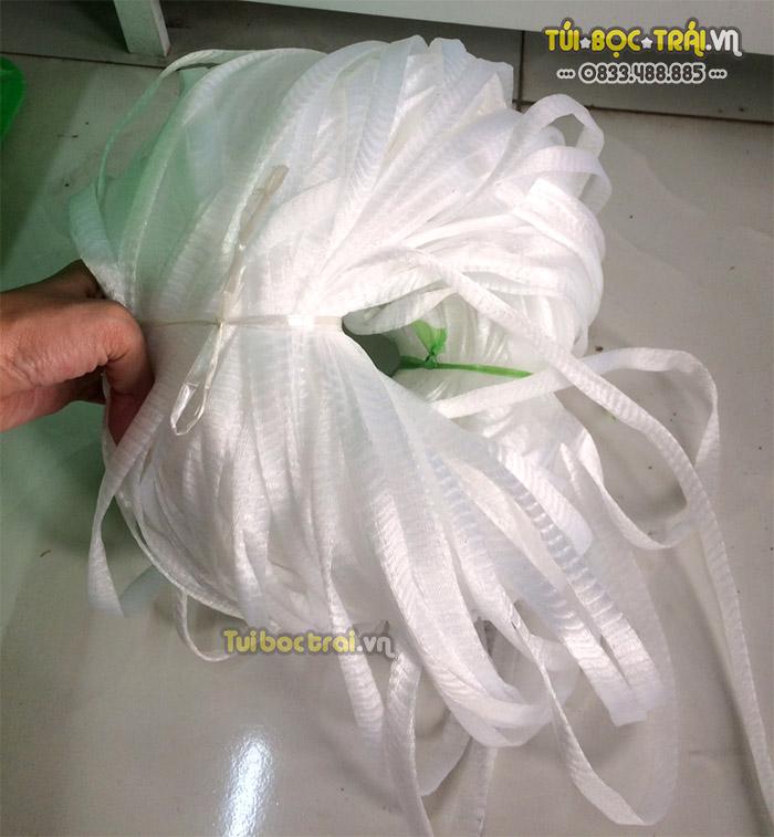 Túi lưới đựng phân dê màu trắng nguyên cuộn