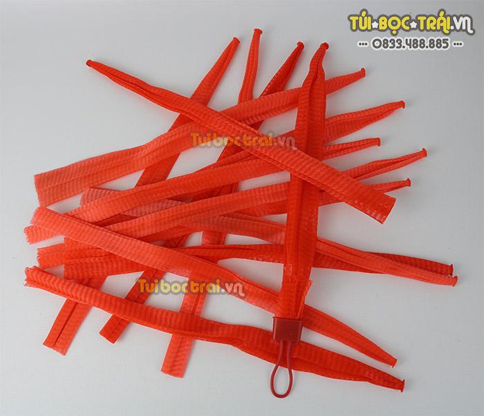 Túi lưới nhựa đựng hoa quả kích thước 40 cm màu đỏ