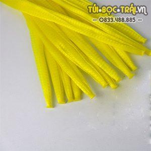 Túi lưới nhựa dài 25 cm màu vàng (1 kg)